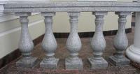 Балясини з граніту - точені ніжки з каменю для сходів, столів і лавок